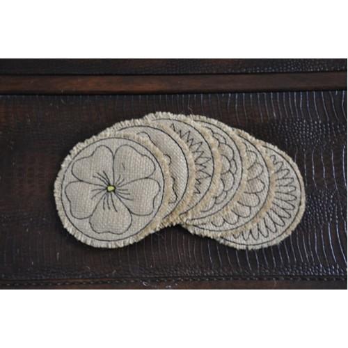 floral burlap coasters in the hoop no sew