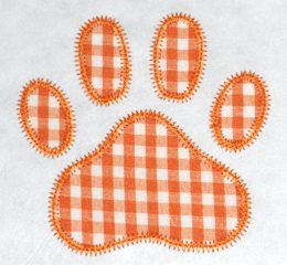 FREE Paw Print Applique Design